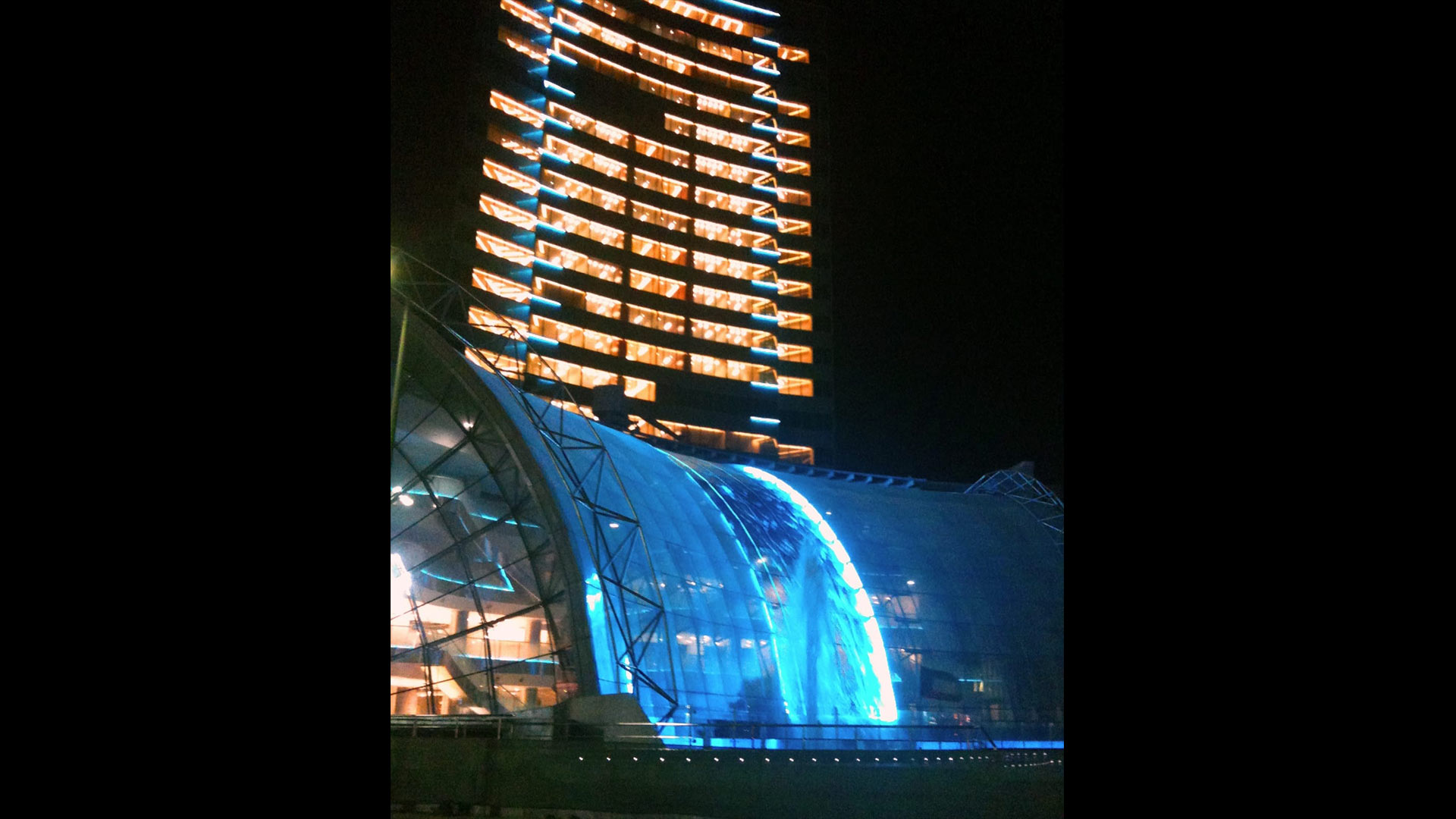 AK Lichtdesign: Waterfall Maal / Shopping Mall